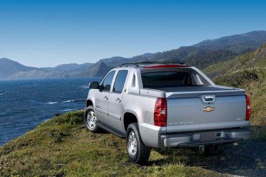 chevrolet black diamond avalanche 2 13