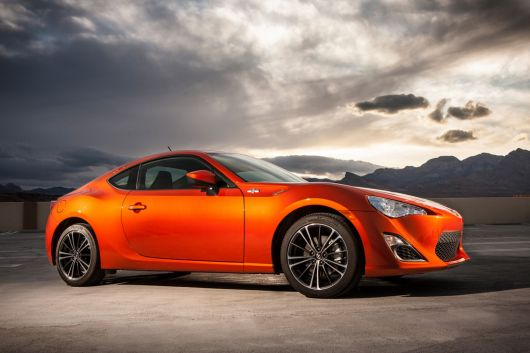 scion fr s sports coupe 13 09
