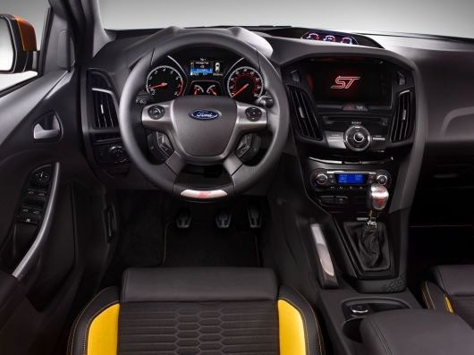 ford focus st in 13 01