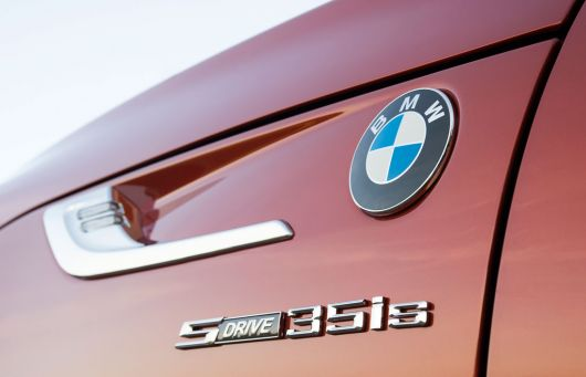 bmw z4 roadster sdrive35is emblem 13