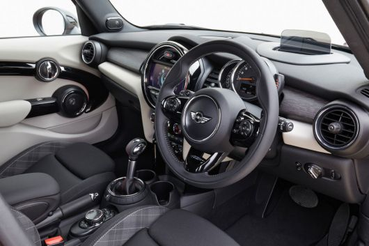 mini cooper s 5 door in 15 02