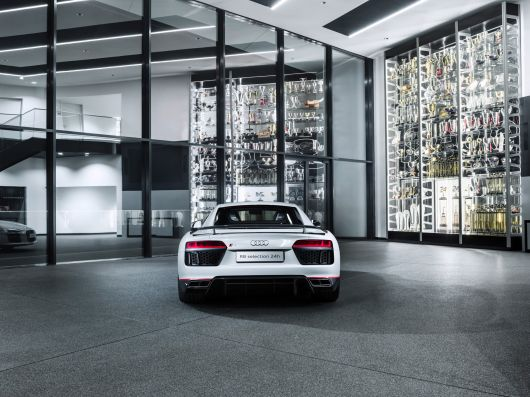 audi r8 v10 plus selection 24 16 03