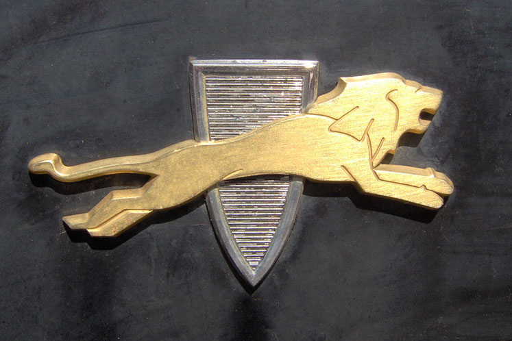Shield and Crest emblems | Cartype
