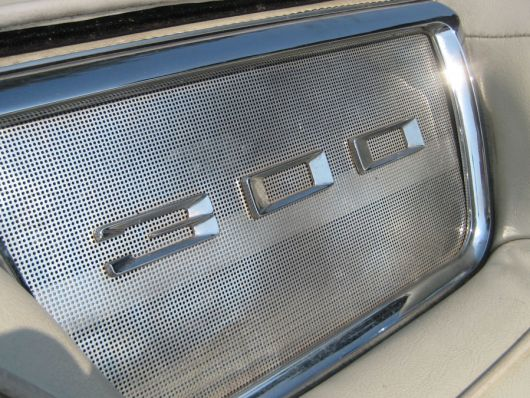 chrysler 300 in emblem 1 63