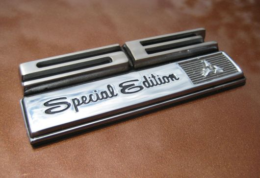 http://www.cartype.com/pics/1610/small/dodge_charger_rt_se-special-edition_emblem_619-built_69.jpg