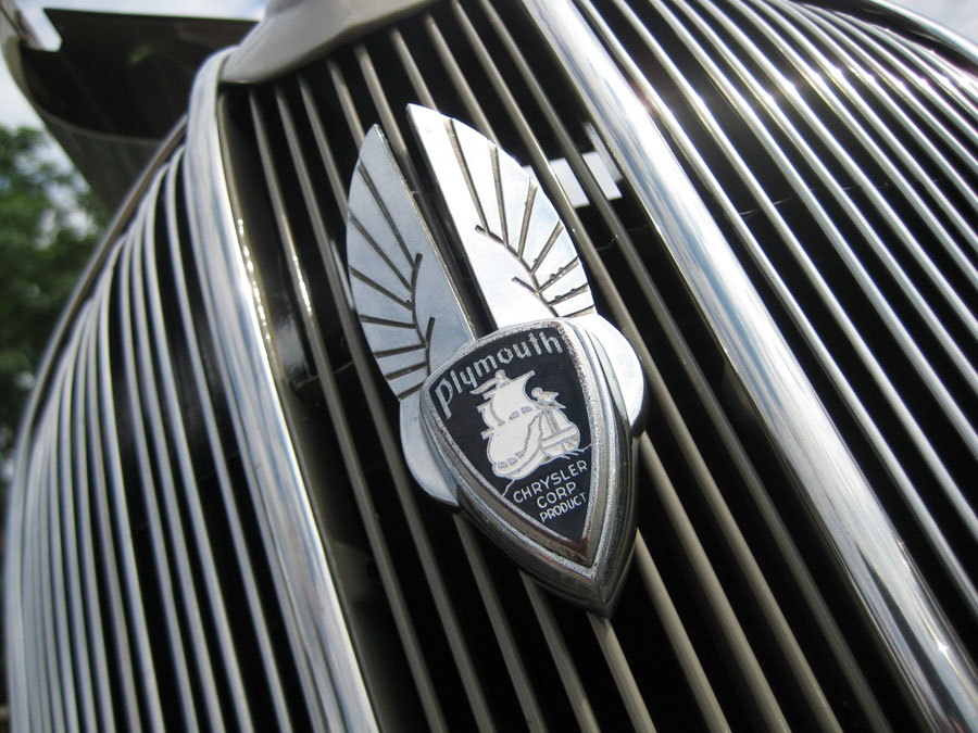 Plymouth P Deluxe Grill Emblem