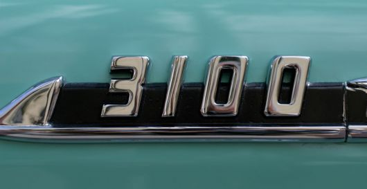 3100 emblem chevy pickup 56 sm