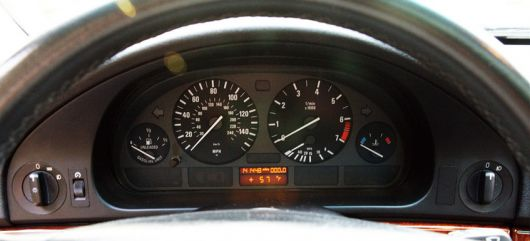 bwm 528 it wagon gauge cluster 99