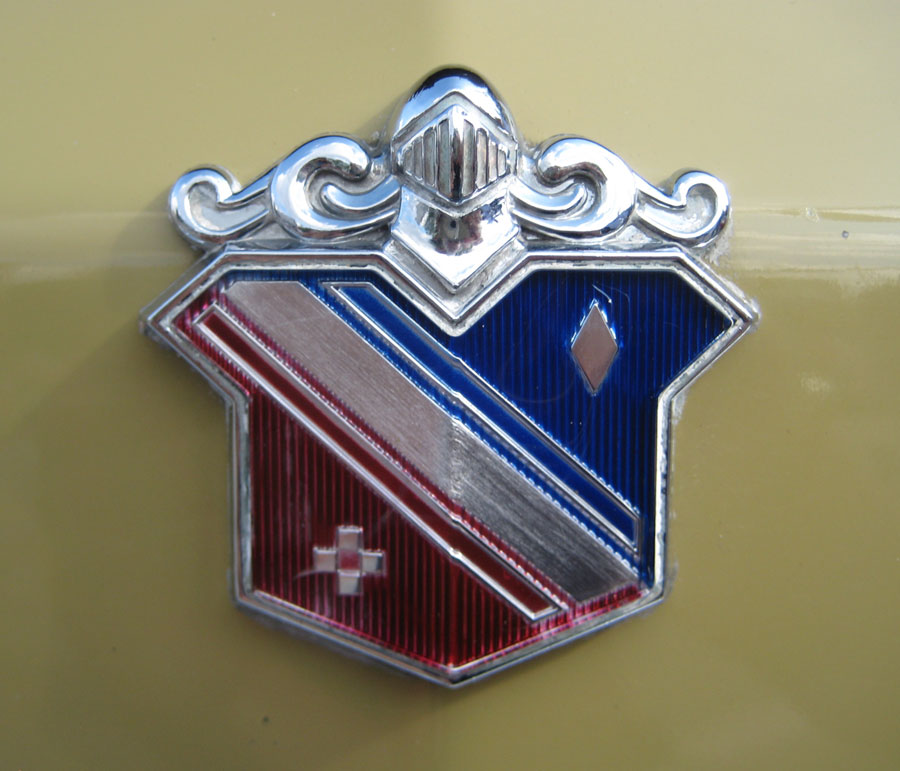 Buick Electra Shield on 1973 Buick Electra 225