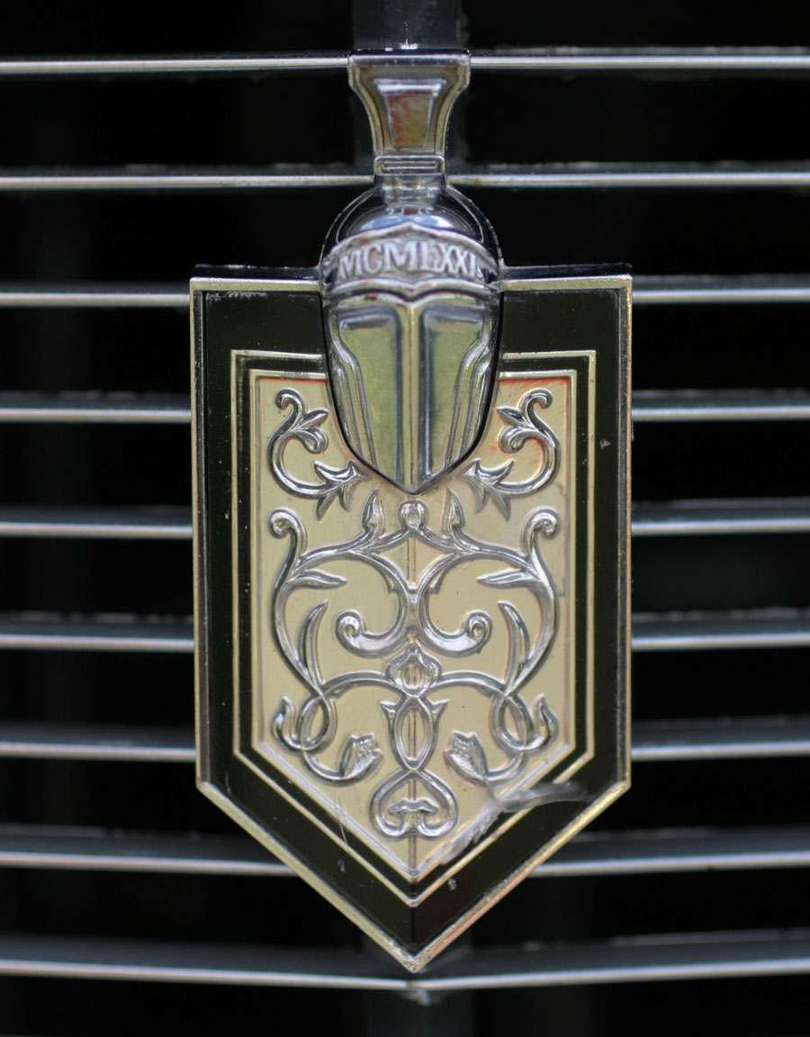 Chevy Monte Carlo >> Shield and Crest emblems | Cartype