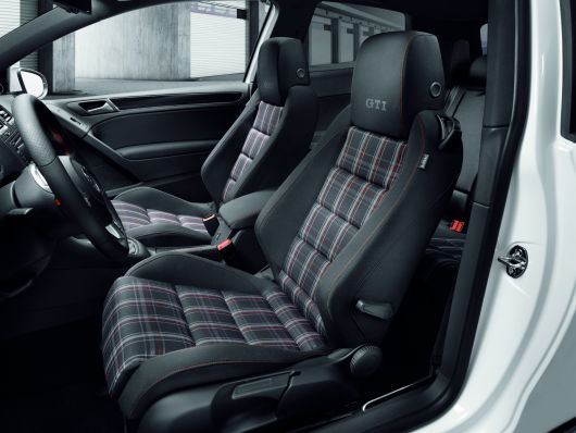 2010 Volkswagen Golf GTI interior