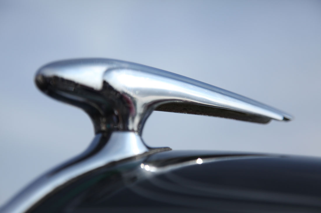 1937 Ford Deluxe hood ornament