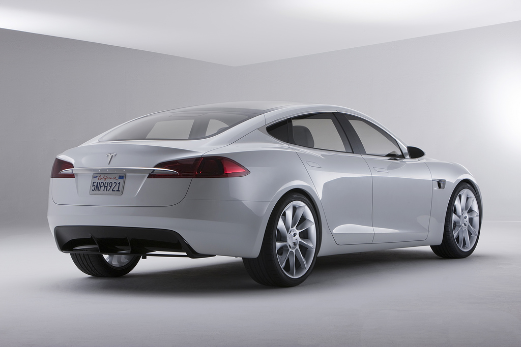 Chicago Luxury Motors >> Tesla Model S : 2009 | Cartype