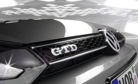 vw golf gtd emblem 09