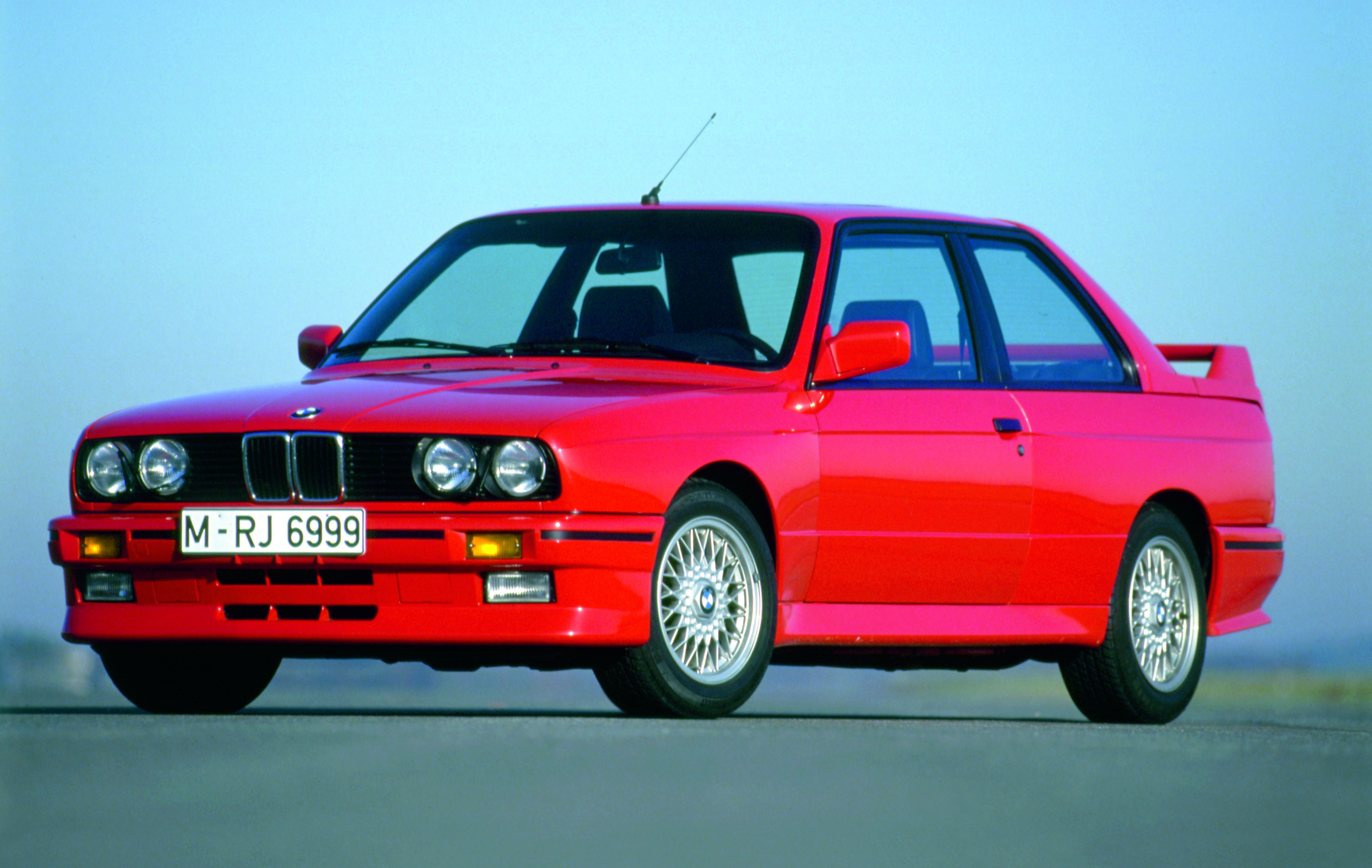 BMW M3 turns 25 | Cartype