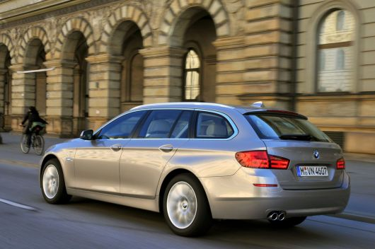 bmw 5 series touring 2 11